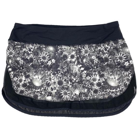 lululemon athletica Dresses & Skirts - Lululemon Hotty Hot Skirt Flowabunga Floral